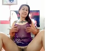 Mulheres tailandesas maduras tocam seu show de cona na frente da câmera 2020