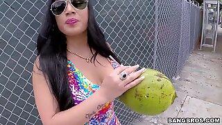 Thick Latina Chonga
