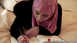 Dubai step daddy satisfaz os desejos bizarros da filha
