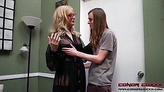 Conorcoxxx - dificilmente examinando com Nina Hartley