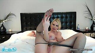 CamSoda - Nikki Benz Big Tits Pink Dildo Masturbation
