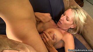 Emma Starr e James Deen em Minhas friends hot mãe
