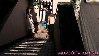 Japonesas Mãe Cheats e recebe Cara Fodida
