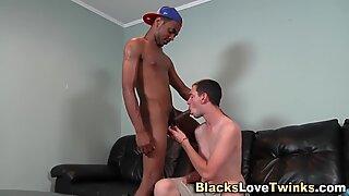 Negras novinhas goza no rosto