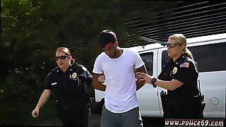 Gorduchas milf orgia xxx não é Negras e suspeito em torno de policiais de patrulha de Negras ou então