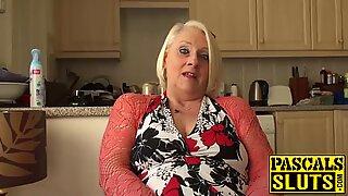 Britânicas maduras loira avózinha carol dedos dela molhado cona