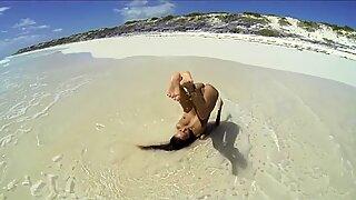 Katya Clover - naturista em cuba