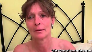 Peludas avó obtém seu furo peludo elasticidade feminina
