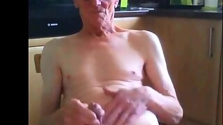 Velho vovô se masturba